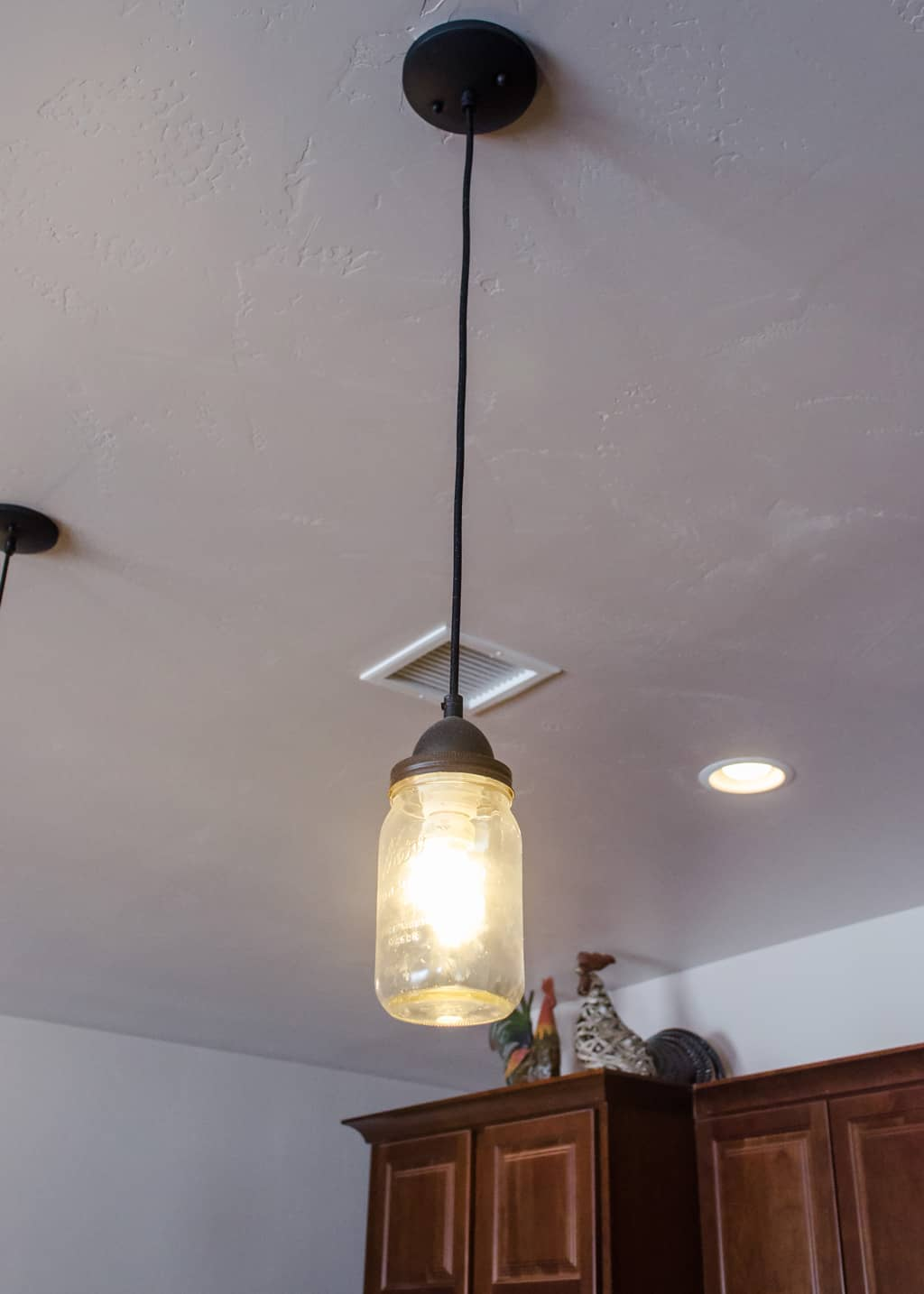 photo of a mason jar pendant light
