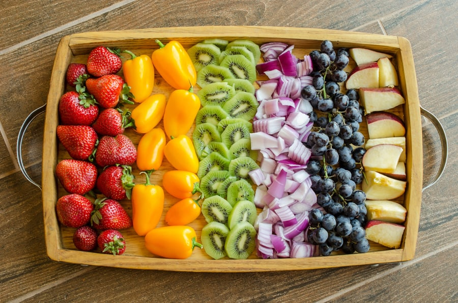 Do you eat enough kinds of fruits and veggies? Click here to find out how eating different colors of fruits and vegetables can help your healthy diet. Eat the Rainbow | Fruits and Vegetables | Healthy Diet