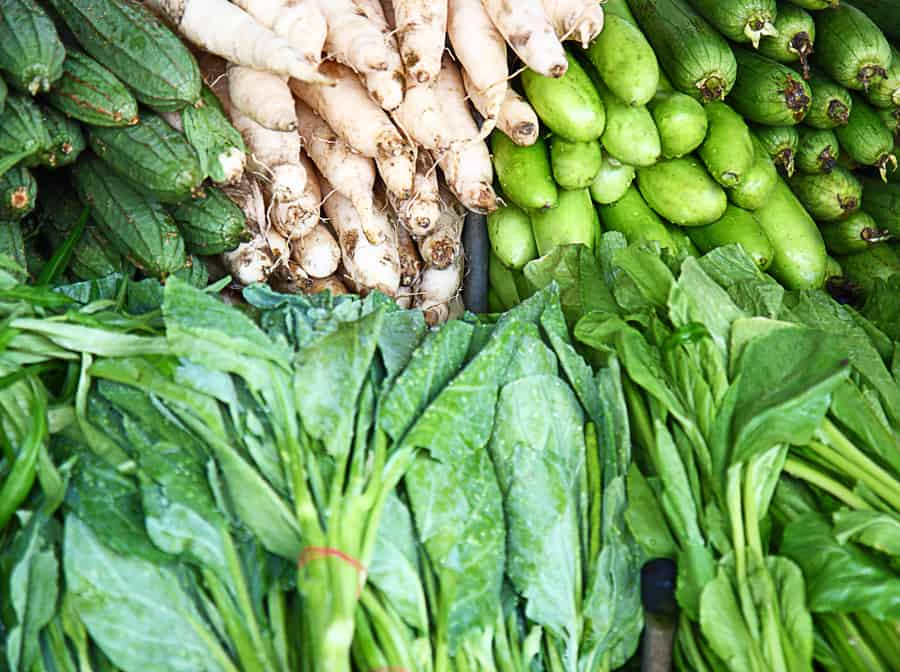 Do you like to shop at the farmers market? Click here to get our tips and tricks to make your shopping experience productive and joyful. Farmers Market   Local Food   Real Food
