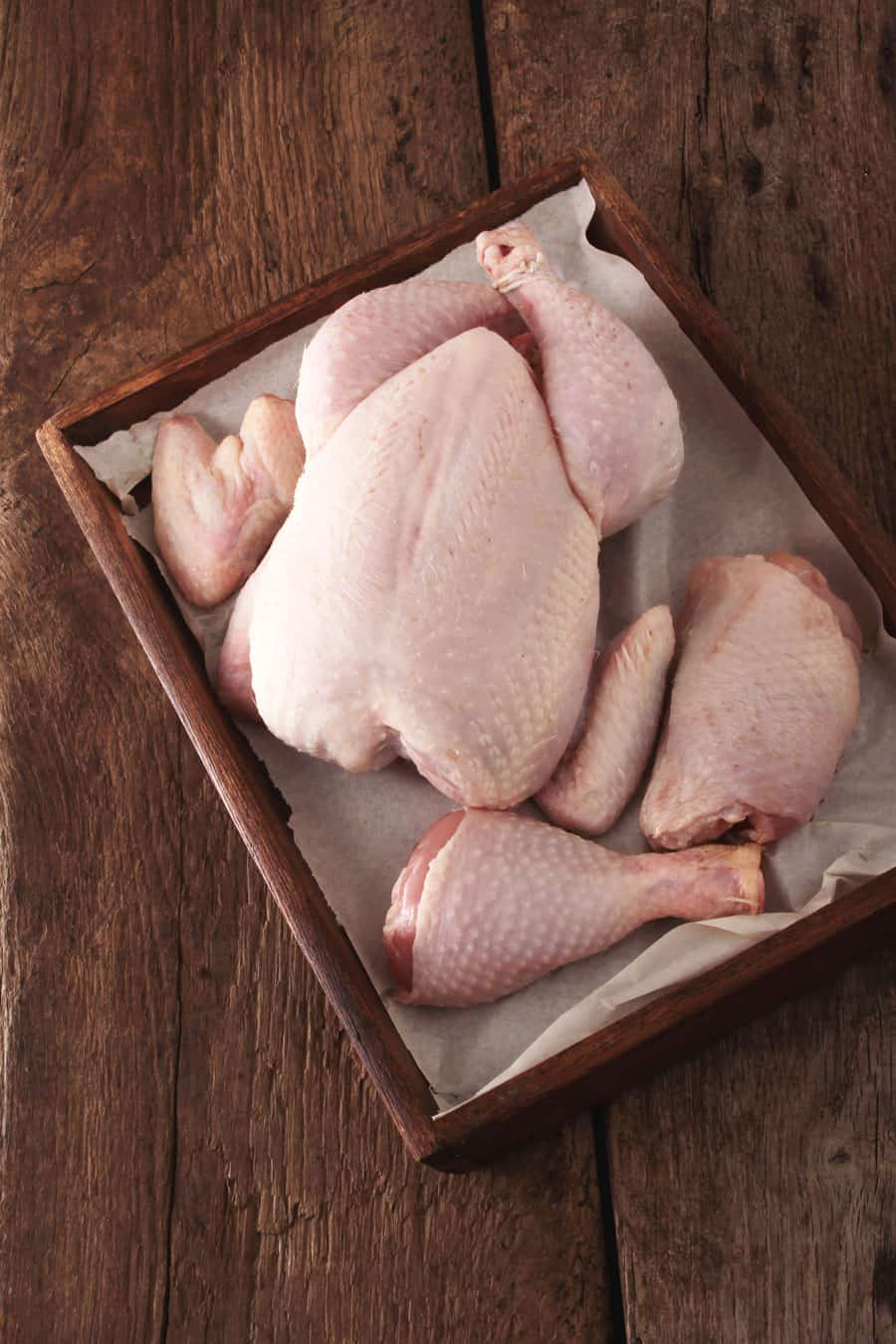 Is eating organic, humanely raised meat important to you? Click here to see how you can raise your own meat chickens to get the best quality possible. Raising meat chickens | Homesteading | Organic Chicken