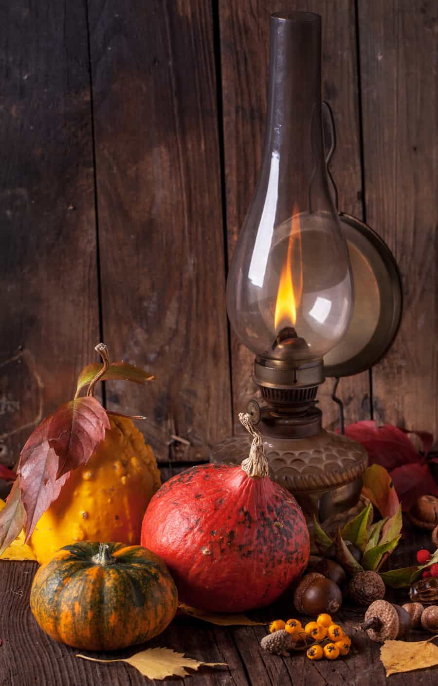 a kerosene lamp with fall setting