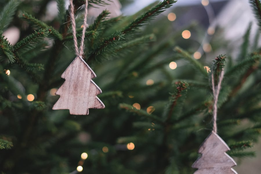 35 DIY Christmas Wooden Crafts for Your Home