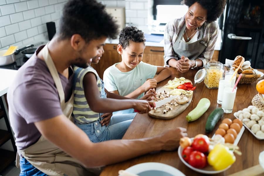 4 Elements of Serving Well Balanced Meals to Your Family